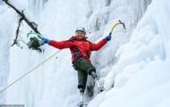 70-летний китайский альпинист с ампутированными ногами планирует подняться на вершину Эвереста